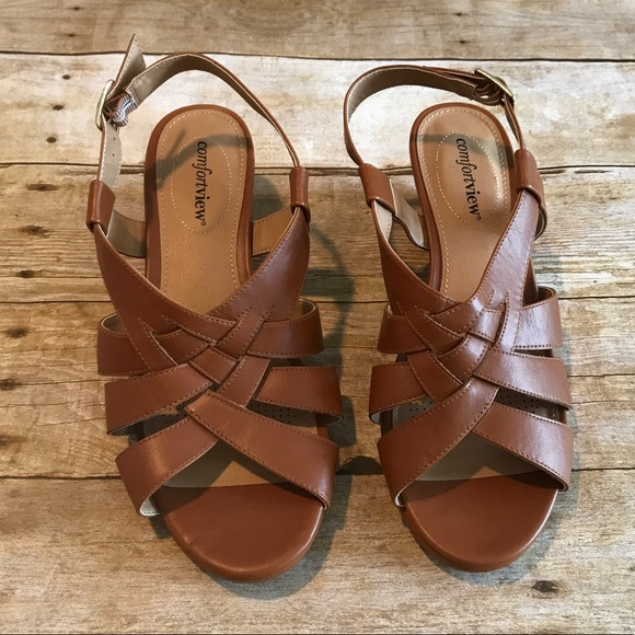 c5e4d9ec1a38 ComfortView Shoes - Comfortview tan braided sandals. Size 9 wide width